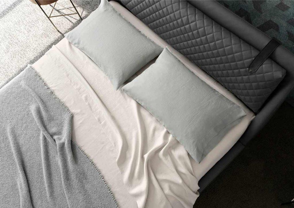 BertO公司生产的柔软而结实的Yoko纯棉床单
